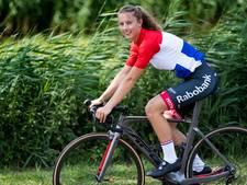 Rosmalens wielertalent verrast met haar prestaties op het NK