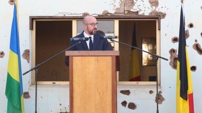 Premier Michel brengt eerbetoon aan vermoorde Belgische blauwhelmen