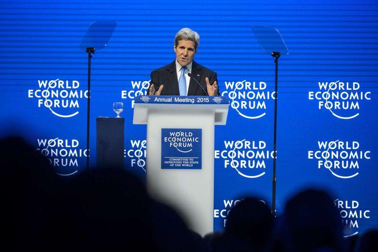 De Amerikaanse minister van Buitenlandse Zaken John Kerry spreekt tijdens het World Economic Forum. Beeld afp