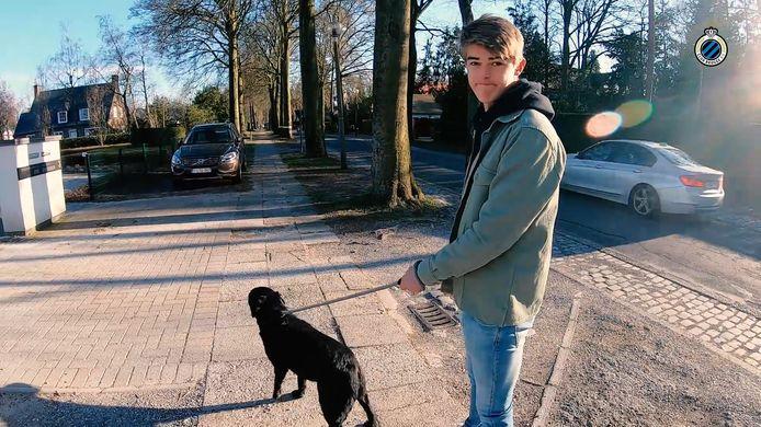 Charles De Ketelaere met zijn hond Jack.