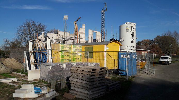 Op het Hondelink wordt weer druk gebouwd, de markt trekt aan.