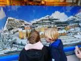 Kersttrein rijdt weer in winkel van Langerak IJzerwaren