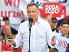 Le président polonais veut interdire l'adoption aux couples homosexuels