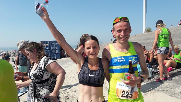 Monica Sanderse en Erwin Harmes, de winnaars van de Hardloop3daagse.