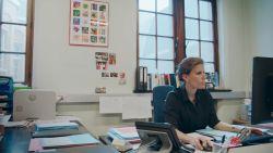 """Parketmagistrate Eva Brantegem toont in docuserie 'Het Parket' hoe het Openbaar Ministerie werkt: """"Ik lig niet wakker van wat ik allemaal zie, wel van het onderzoek dat ik in goede banen moet leiden"""""""