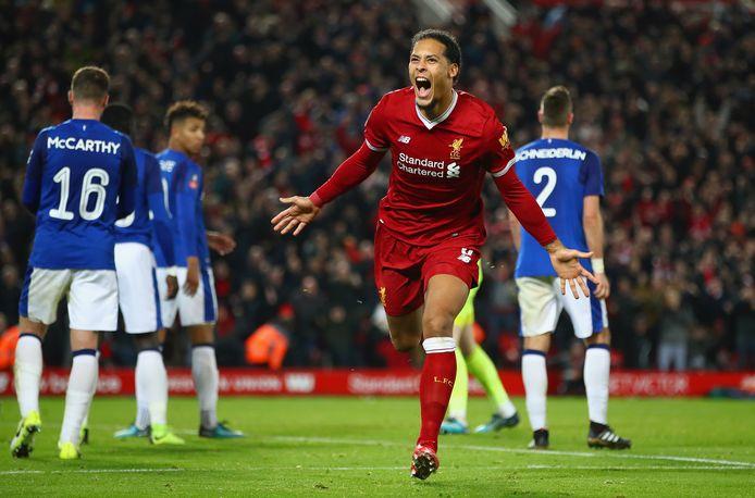 Het droomdebuut van Virgil van Dijk tegen Everton.