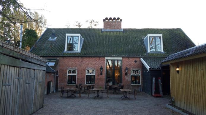 Een deel van het restaurant op Landgoed Rijckholt waar vrijwilligers en mantelzorgers zaterdagmorgen een ontbijt aangeboden kregen.