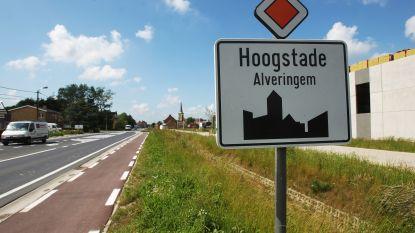 Bestuurder (58) onder invloed crasht langs N8 in Hoogstade