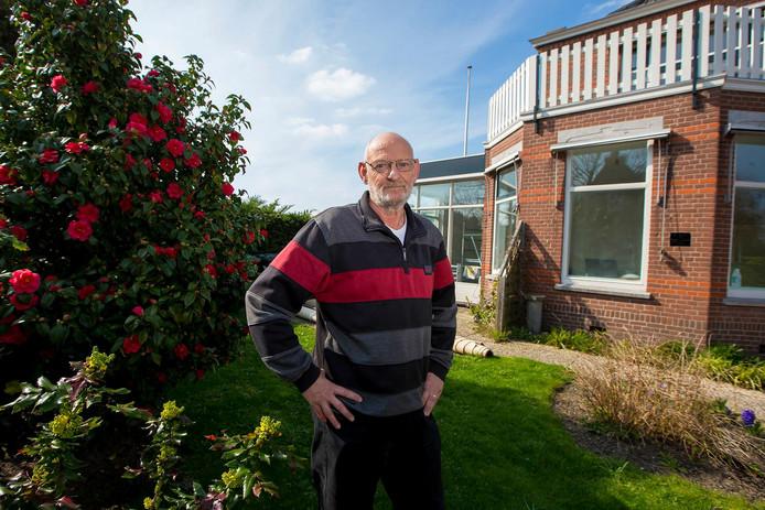 Peter Kortekaas was een van de eersten die een aanvraag indiende voor De Glazen Pluim: een tuintafel voor Inloophuis Carma.