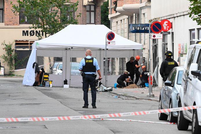 Deense politie doet onderzoek naar een ontploffing in de buurt van een politiebureau.
