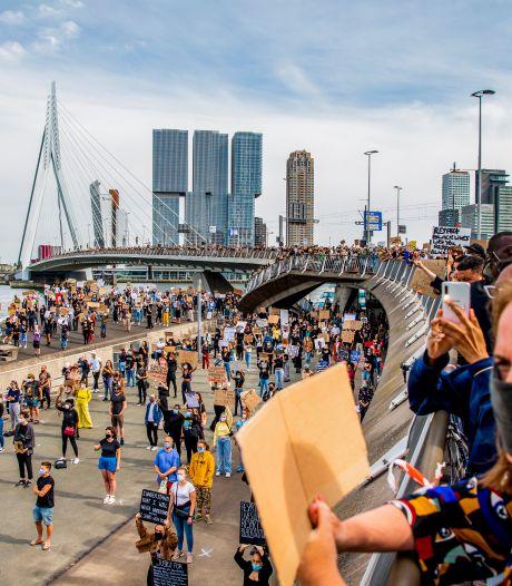 Coronaproof demonstreren blijkt ook in Rotterdam een brug te ver
