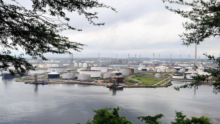 De Isla Raffinaderij in Willemstad, Curaçao Beeld anp