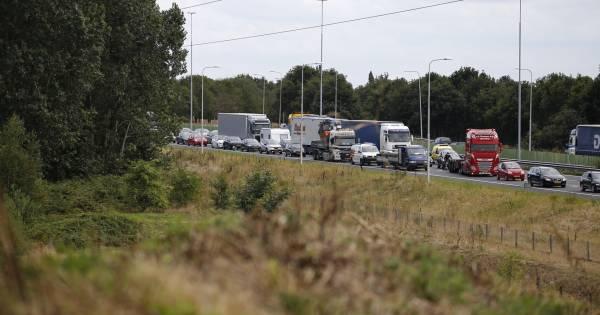 File op A73 tussen Nijmegen en Malden door ongeluk, weg weer vrij.