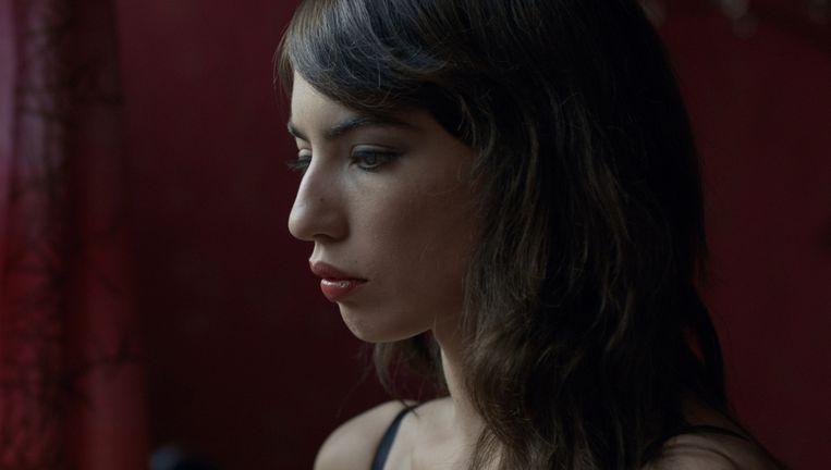 Anjela Nedyalkova als Jenya, die in de film The Paradise Suite in de illegale prostitutie terechtkomt. Beeld .