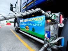 Veertien vrachtwagens op schoner gas erbij voor Rotra