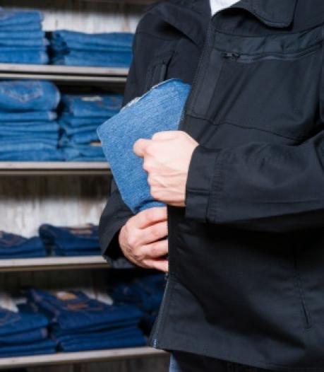 Drie winkeldieven in Goes aangehouden dankzij WinkeliersApp