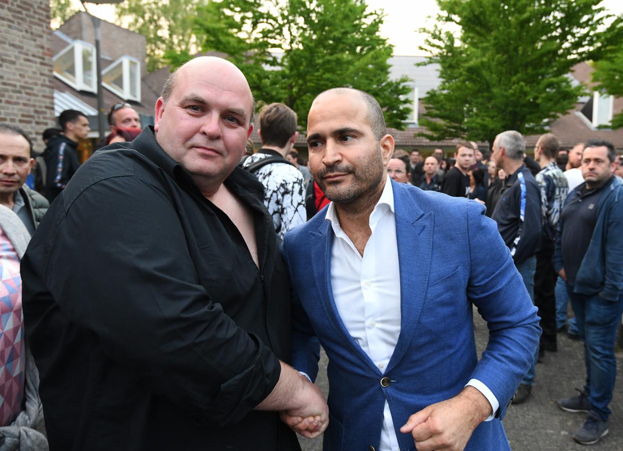 Eigenaar John Bronk (links) en zijn advocaat Anis Boumanjal.