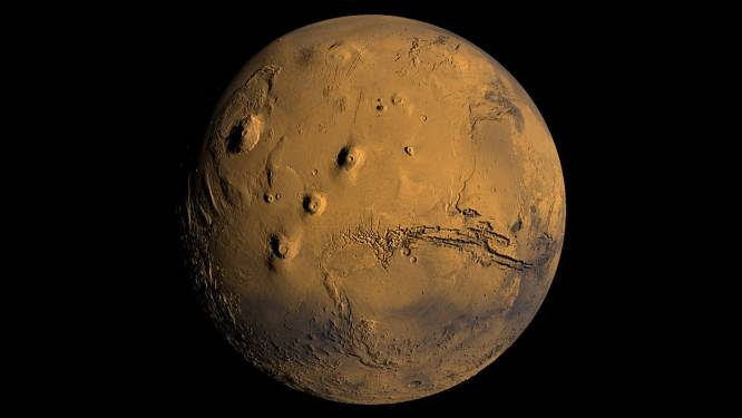 """""""Foto's van mijn naakte buurvrouw? Ik wilde Mars op beeld zetten"""": voyeur riskeert 12 maanden cel"""