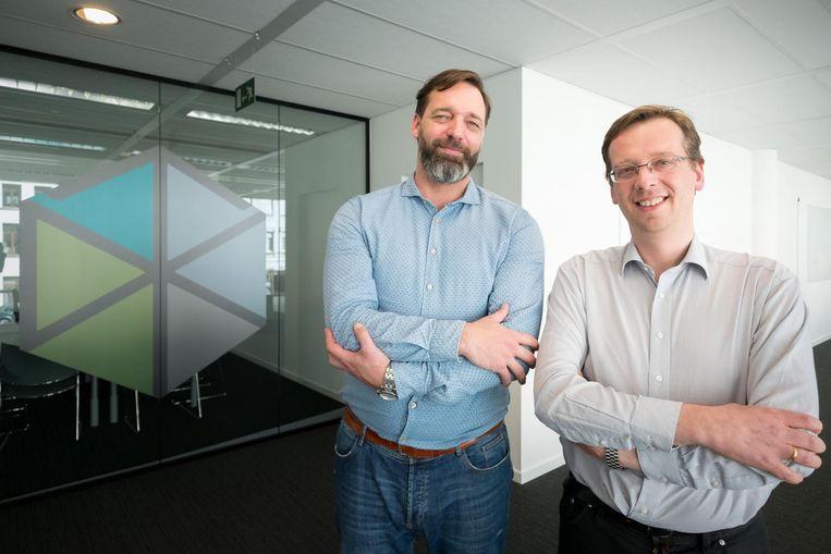 Human Resources-manager Wim Vanhaele (links) met oprichter Filip Schutyser in de nieuwe kantoren van Nobel Biocare.