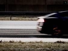 Inbrekers racen zonder rijbewijs met 180 km/u over spekgladde A58