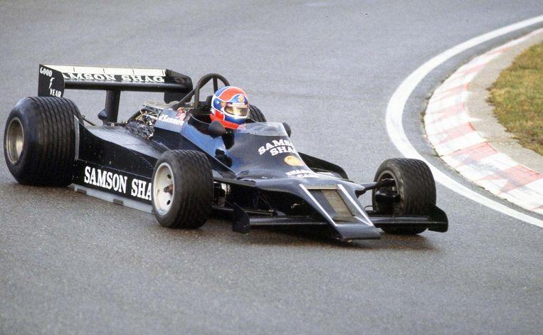 Autocoureur Jan Lammers in actie tijdens een Formule I training op het circuit in Zandvoort. Beeld anp