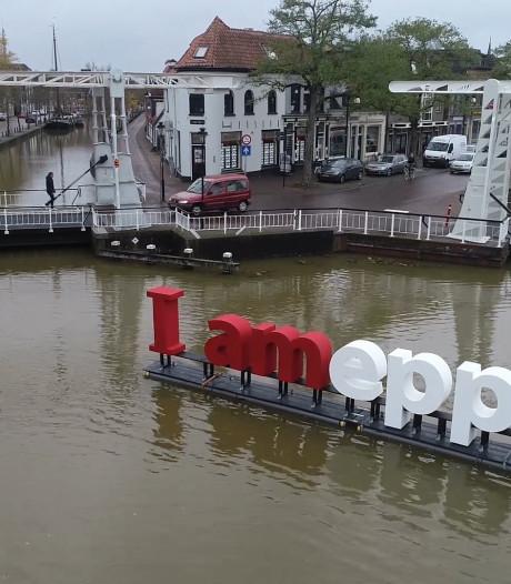 Meppel op z'n Amsterdams: I AMEPPEL in de gracht