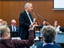 Rode kaart voor raadslid Schlamilch blijft uit; burgemeester Potters houdt 'Biltse Baudet' kort