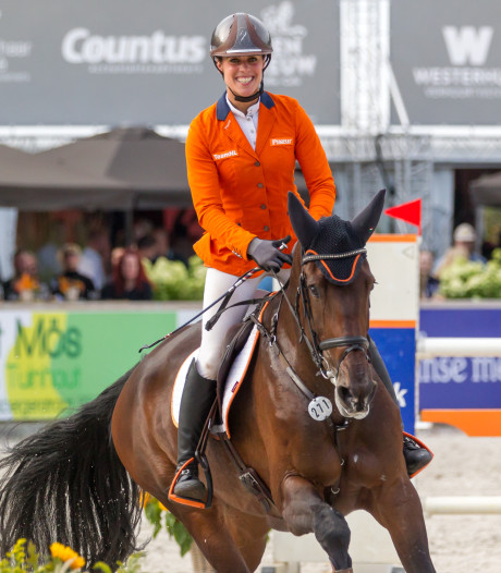 Britse Collett winnares Military Boekelo, nationale titel voor Blom