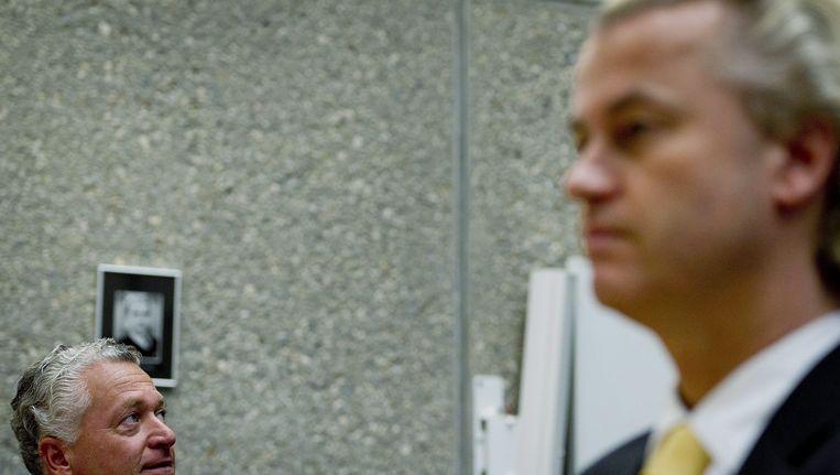 Geert Wilders en zijn advocaat Bram Moszkowicz. Beeld epa