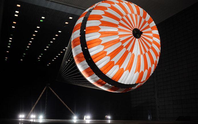 De kunstvezel van Teijin Aramid uit Arnhem maakt deel uit van de landingsparachute van de Mars-missie.