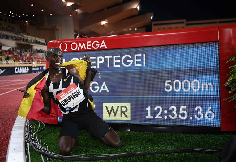 Joshua Cheptegei liep een wereldrecord  op de 5.000 meter.  Beeld AFP