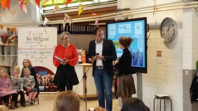 Prinses Laurentien luistert naar een van de vragen. Foto DG