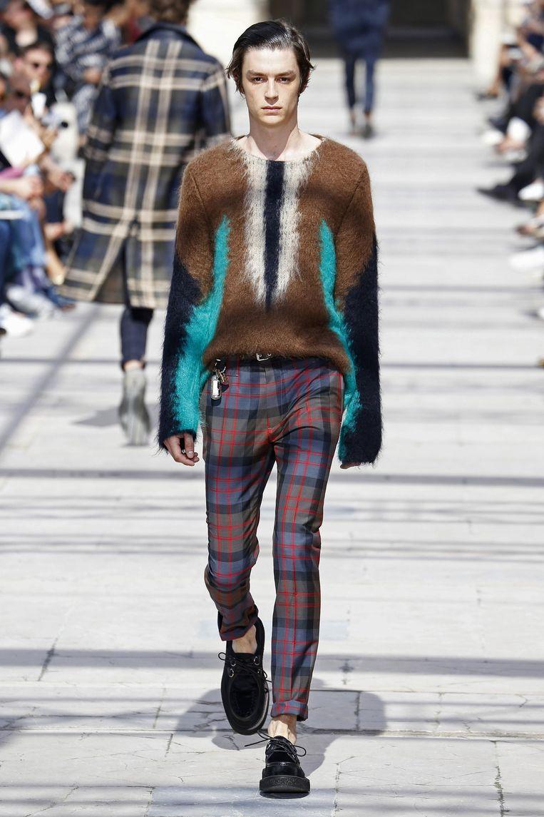 De mohair trui uit de collectie van Louis Vuitton. Beeld Team Peter Stigter