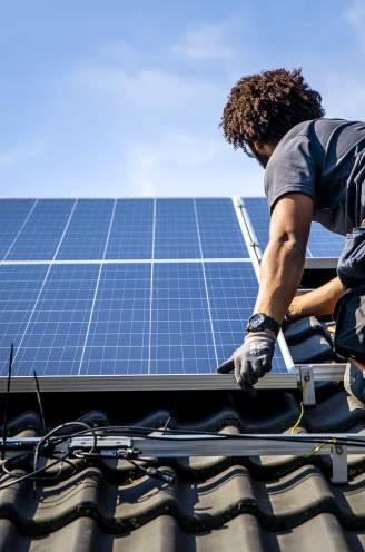 """Installateurs bezorgd door nieuwe spelregels zonnepanelen: """"Zoveelste keer dat vertrouwen in groene energie wordt ondermijnd"""""""