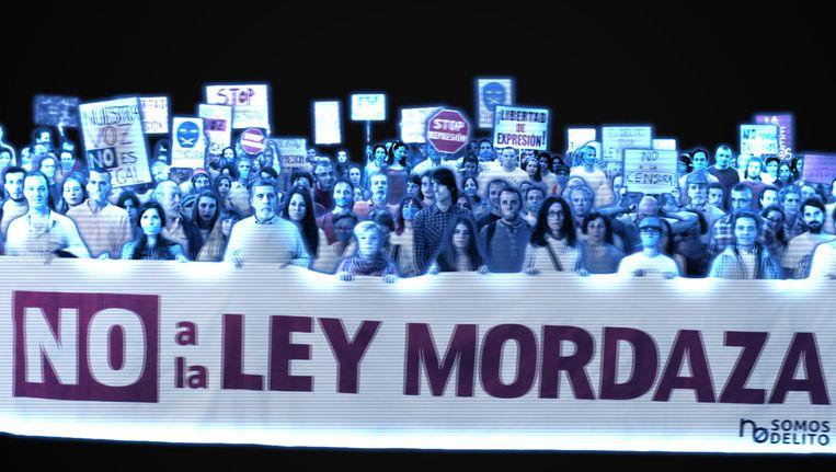 Het holografisch protest tegen de 'muilkorfwet', zoals dat vanavond zal plaatsvinden in Madrid. Beeld