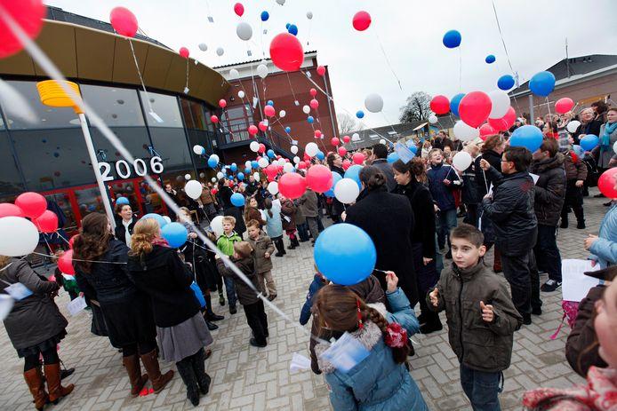 De opening van de Sebaschool in 2009 in Ochten