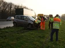 Automobiliste gewond door botsing met vrachtwagen op A50