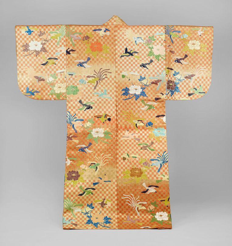 Karaori met pioenroos, 1800-1900 Beeld Collectie Okura Museum of Art