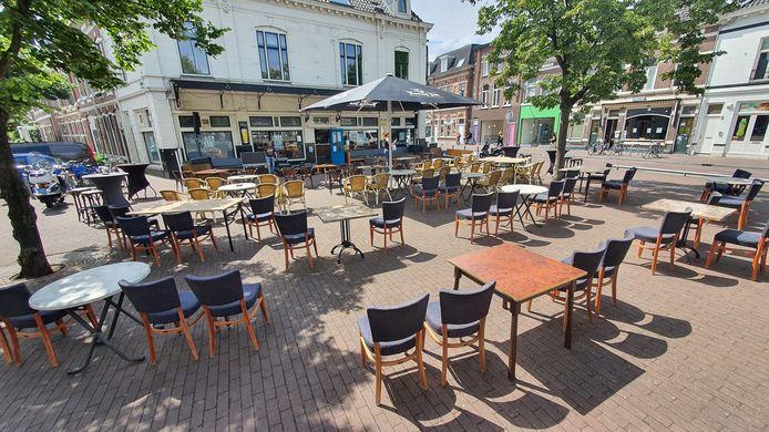 Het terras van Bel Air Breda Zaal Live Podium op de hoek van de Boschstraat.