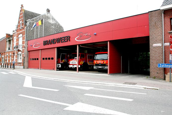 Een brandweerman raakte besmet met COVID-19.  Zeven collega's moeten mee in quarantaine.