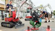 30ste Gymkana op Kerkplein met tractors én kranen