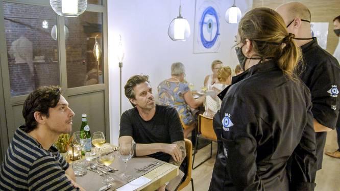 """Het hoofdgerecht loopt in het honderd in 'Mijn keuken mijn restaurant': """"Zij doet helemaal niets"""""""