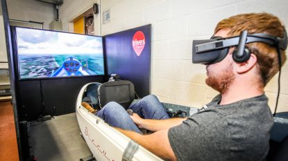 Studenten en docenten bouwen zelf virtual reality-zweefsimulator