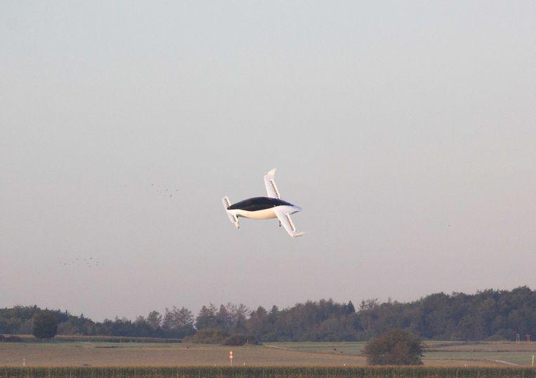 Een testvlucht met de vliegende taxi in de buurt van de stad München.