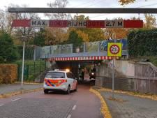 ProRail baalt van botsingen op Hengeloos spoorviaduct: 'Houd je aan de regels'