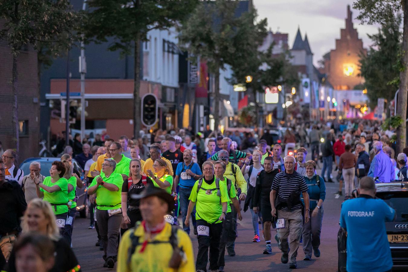 'De 80' brengt 2476 lopers op de been in Waalwijk