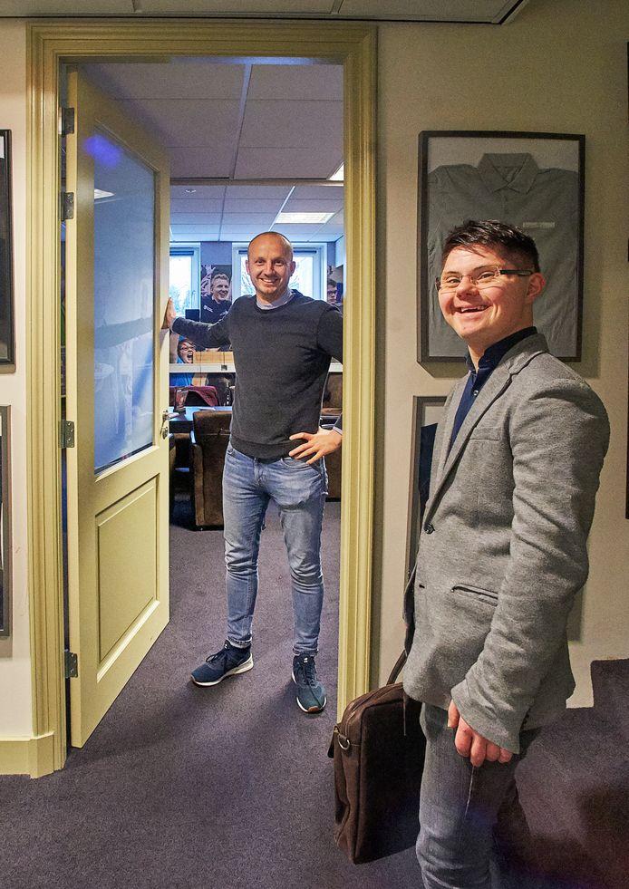Jeroen van den Bosch (voorgrond) werkt al vanaf de oprichting bij Brownies&downieS. Tegenwoordig werkt hij op kantoor.  In de achtergrond Thijs Swinkels.
