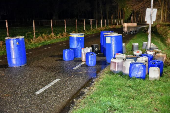 In totaal werd er ongeveer 3000 liter aan drugsafval gevonden aan de Kommerstraat.