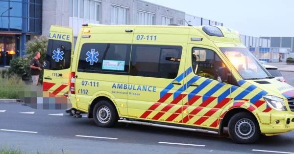 Wielrenner gewond bij aanrijding met auto in Ede.