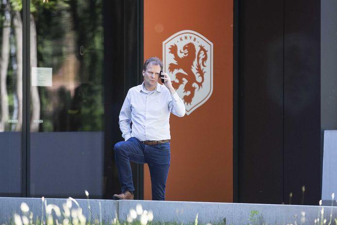 Algemeen directeur Pascal van Wijk van Vitesse eerder dit jaar bij de KNVB, voor overleg over de coronacrisis.
